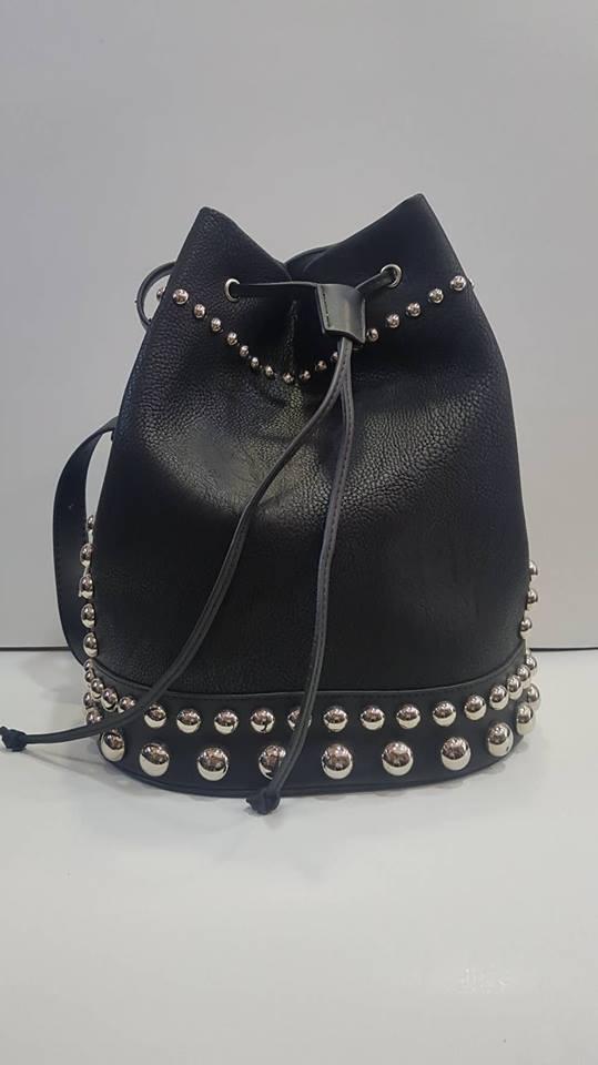 Τσάντα ώμου πουγκί μαύρη – LeDi  cd738b9589b